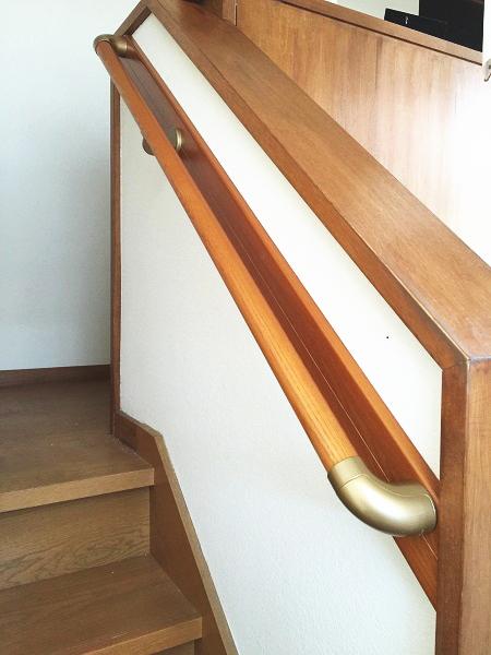 階段補強板を使った手すり