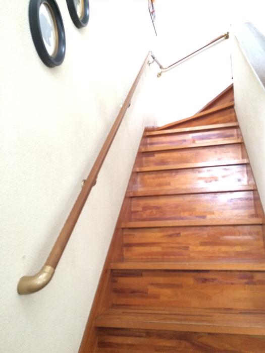階段手すりの取付工事1